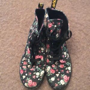 Dr Martens Airwair floral canvas